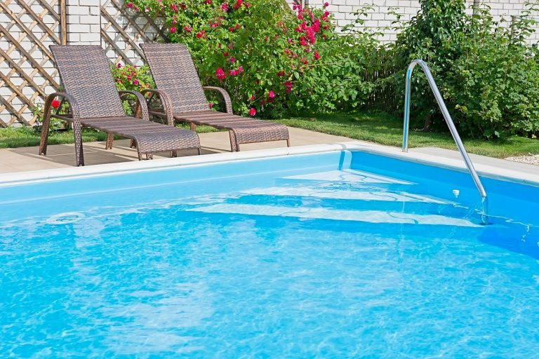 Why swimming pools should be cleaned regularly?