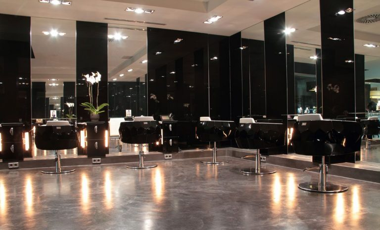Benefits of running your own beauty salon in Dubai