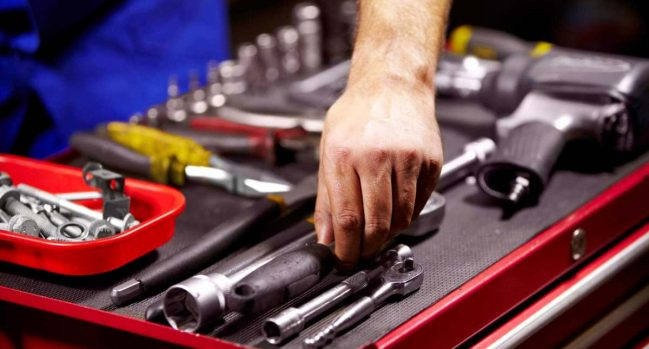 Tools that you can use at your home for car repairing