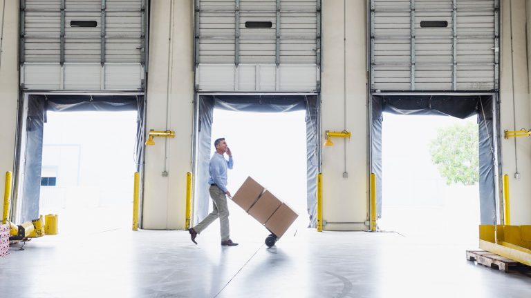 Pros of using self-storage for businesses