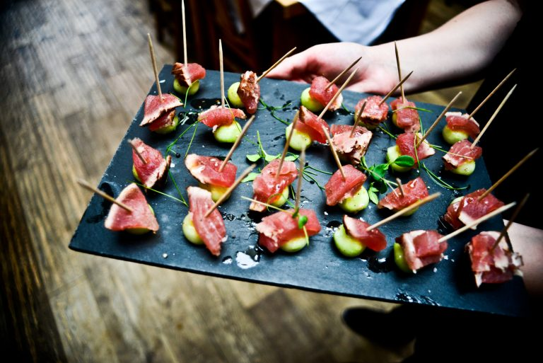 Follow these tips to run a catering company