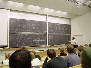 Whiteboard vs Chalkboards